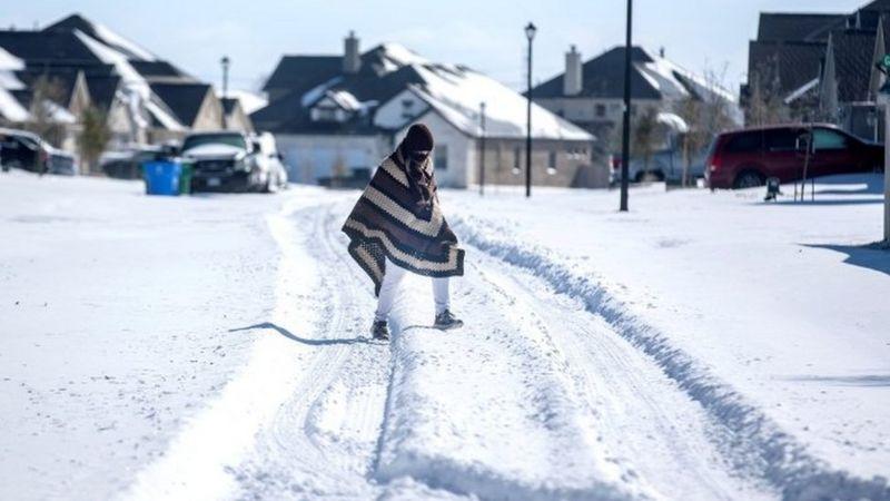 https: img.okezone.com content 2021 02 19 18 2364609 wni-yang-terkena-musim-dingin-ekstrem-di-as-mati-listrik-nyalakan-lilin-tanpa-pemanas-hingga-pakai-jaket-tebal-iXdEdBELzz.jpg