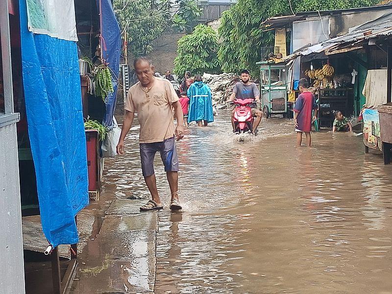 https: img.okezone.com content 2021 02 19 338 2364758 kawasan-bangka-sempat-terendam-banjir-setinggi-1-meter-peHoiu8TJB.jpg