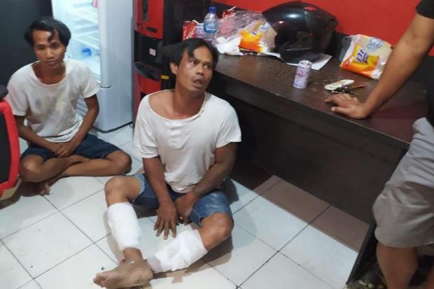 https: img.okezone.com content 2021 02 19 340 2365172 bandit-bengis-ini-menangis-saat-ditangkap-polisi-QSYCXiDMFt.jpg