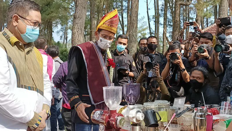 https: img.okezone.com content 2021 02 19 406 2365132 kabupaten-dairi-kaya-potensi-wisata-yang-patut-dieksplor-wisatawan-Y2Cjmq8Fo5.jpg