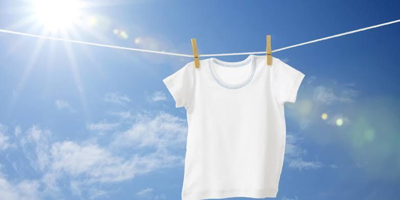 https: img.okezone.com content 2021 02 19 612 2365077 5-lifehack-seputar-pakaian-yang-bermanfaat-kala-kepepet-PoTlqJIZ96.jpeg
