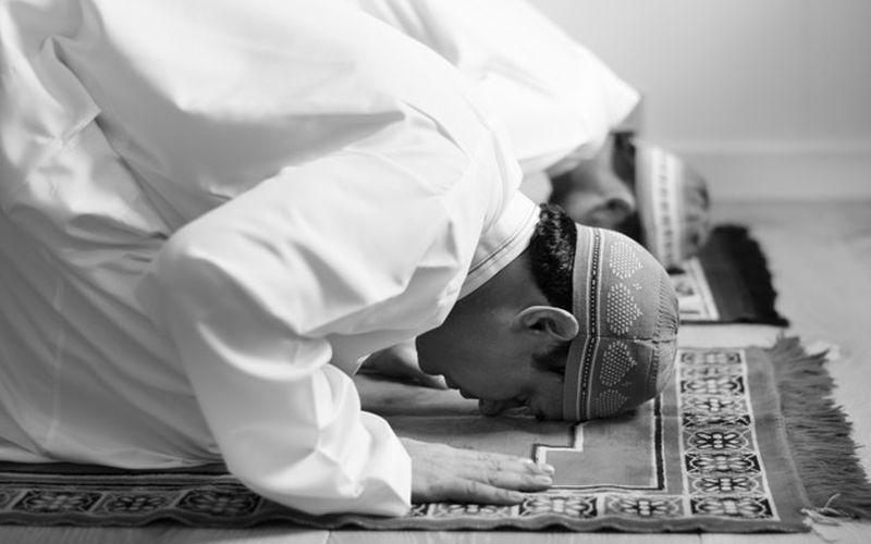 https: img.okezone.com content 2021 02 19 614 2365009 niat-sholat-tarawih-dan-artinya-di-bulan-ramadhan-rOe2PGjzpb.jpg
