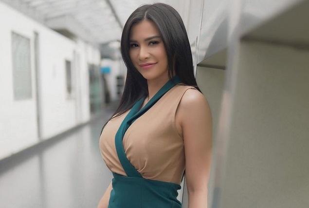 https: img.okezone.com content 2021 02 20 43 2365346 5-potret-maria-vania-kenakan-sport-bra-saat-olahraga-seksi-banget-9DDn7P26Av.jpg