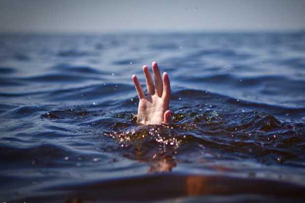 https: img.okezone.com content 2021 02 21 338 2365586 12-kecamatan-di-bekasi-terendam-banjir-2-bocah-tewas-tenggelam-htTOTpVOTI.jpg