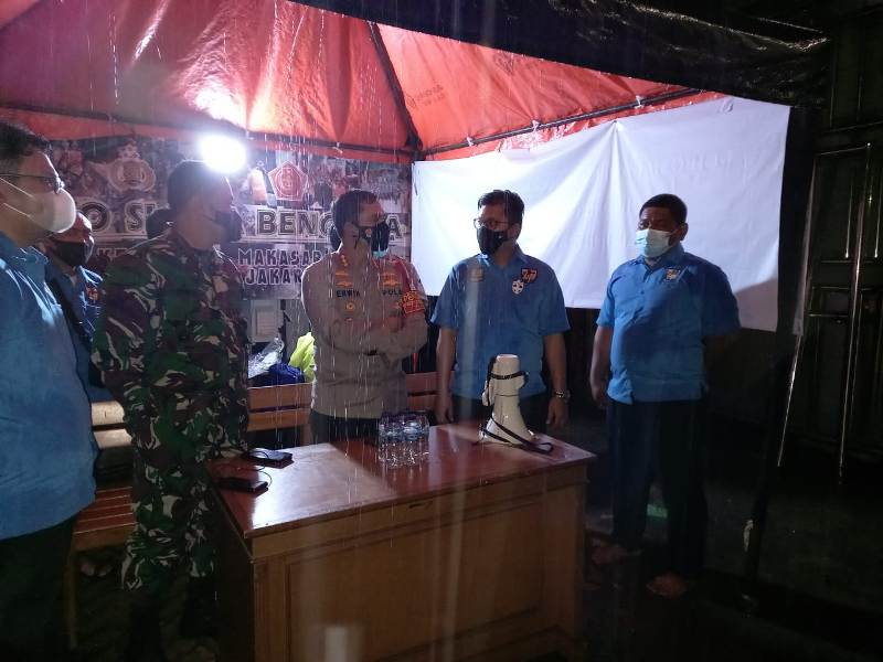 https: img.okezone.com content 2021 02 21 338 2365814 korban-banjir-di-jakarta-timur-diberikan-trauma-healing-PWNKeOkyFy.jpeg
