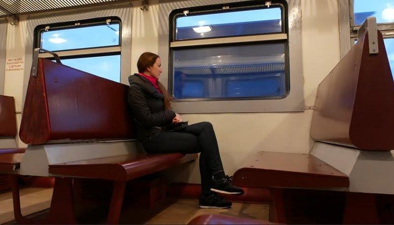 https: img.okezone.com content 2021 02 21 406 2365891 seram-wanita-ini-naik-kereta-hantu-menuju-bandung-seluruh-penumpang-berwajah-pucat-Oucq14Ftyk.jpg