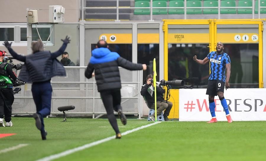 Pesta Gol, Inter Milan Bantai AC Milan 3-0