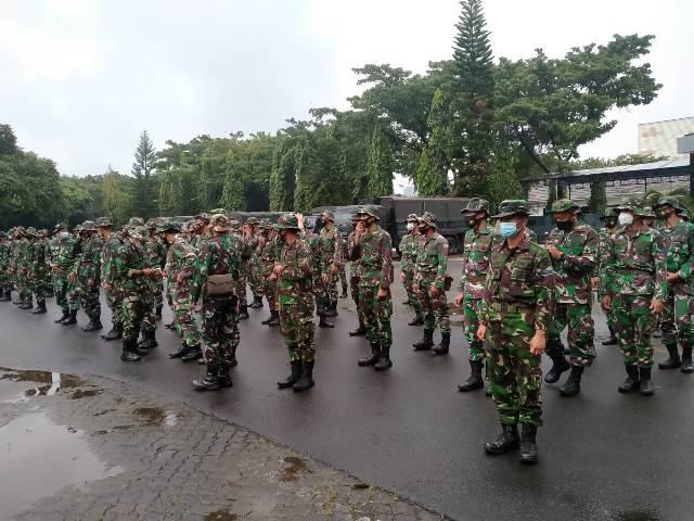 https: img.okezone.com content 2021 02 21 525 2365882 150-personel-marinir-al-dikerahkan-ke-banjir-karawang-eQfbfxLV8v.jfif