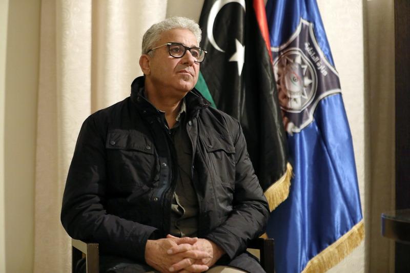 https: img.okezone.com content 2021 02 22 18 2366068 mobilnya-ditembaki-mendagri-libya-lolos-dari-percobaan-pembunuhan-8UF9HsNRlD.jpg