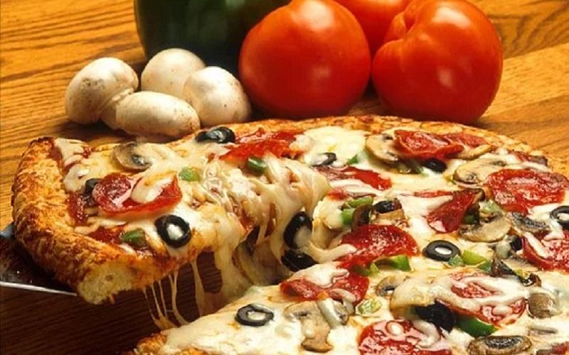 https: img.okezone.com content 2021 02 22 298 2366162 10-makanan-yang-perlu-dihindari-saat-malam-hari-guna-turunkan-berat-badan-nhTBF1oUWH.jpg