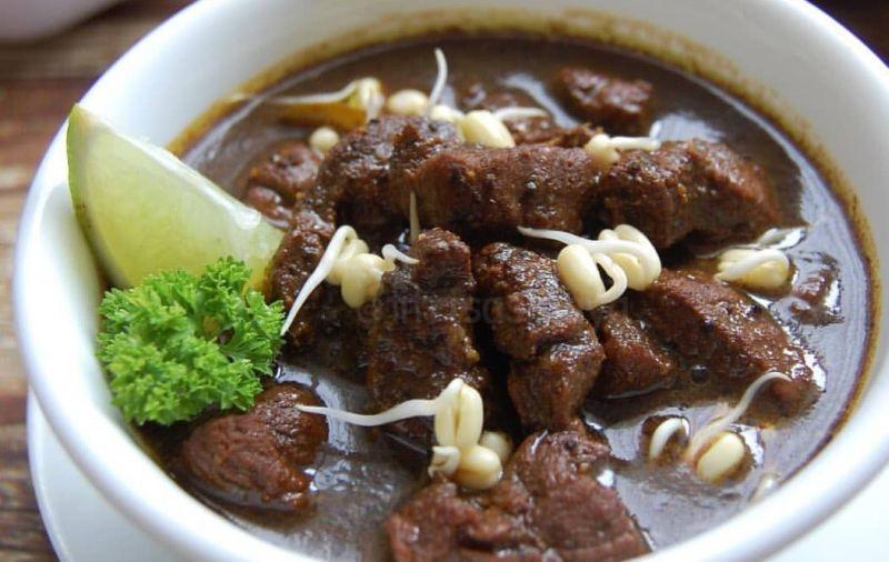 https: img.okezone.com content 2021 02 22 298 2366176 rawon-makanan-berkuah-terlezat-se-asia-kuliner-indonesia-kian-mendunia-obQesTD9ui.jpg