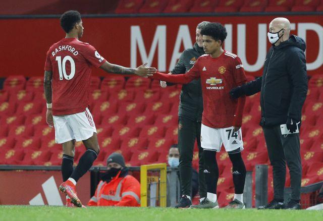 Usia 17 Tahun Debut di Man United, Shola Shoretire