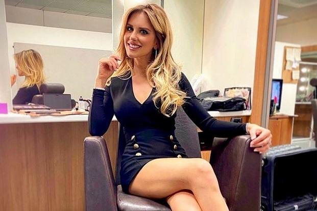 https: img.okezone.com content 2021 02 22 51 2366238 adu-seksi-michela-persico-dan-maria-vania-saat-jadi-presenter-sama-sama-hot-sQDrHsrxSv.jpg