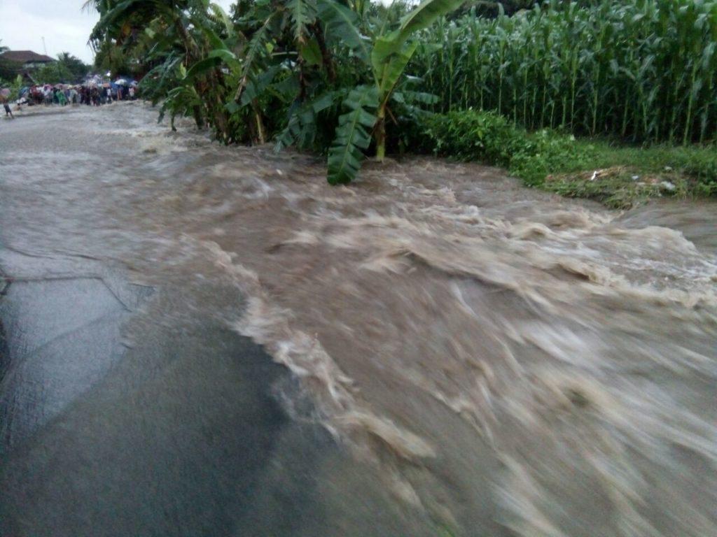 https: img.okezone.com content 2021 02 22 519 2366214 25-wilayah-di-jatim-terancam-banjir-bandang-berikut-daftarnya-poN7jcLGU5.jpg