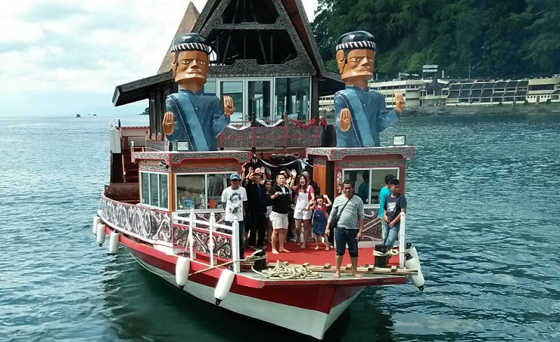 https: img.okezone.com content 2021 02 22 620 2366088 mauli-bulung-film-kolaborasi-kemenparekraf-mengisahkan-tradisi-batak-dan-danau-toba-hb2NCeV8wi.jpg