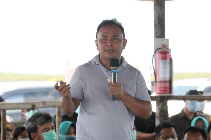 https: img.okezone.com content 2021 02 23 1 2367092 gubernur-dan-ketua-tp-pkk-kalteng-lakukan-kunker-ke-kabupaten-sukamara-3fc53ygWlH.jpeg