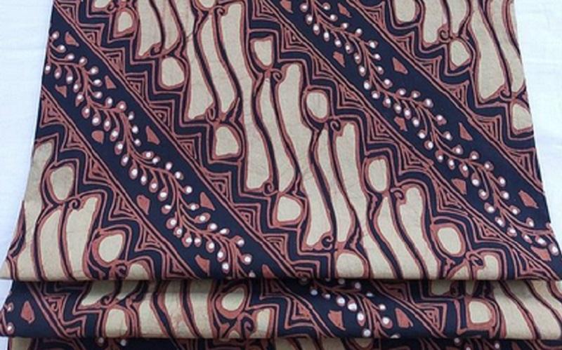 https: img.okezone.com content 2021 02 23 194 2366952 ragam-motif-batik-solo-dan-maknanya-rOUJlYYpBs.jpg
