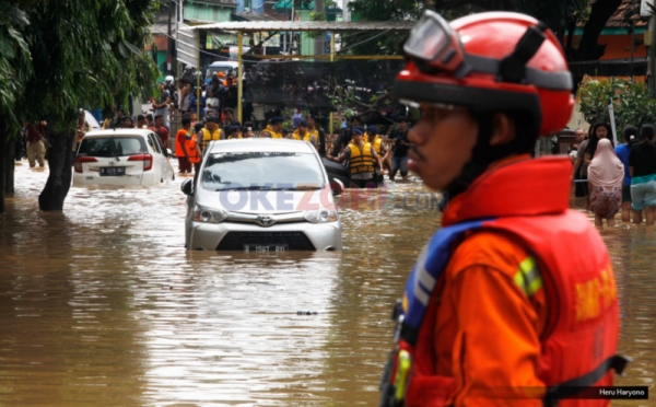 https: img.okezone.com content 2021 02 23 338 2366835 korban-meninggal-banjir-jakarta-mayoritas-anak-wagub-dki-jangan-disuruh-mandi-hujan-1vQz7Ixfad.jpg