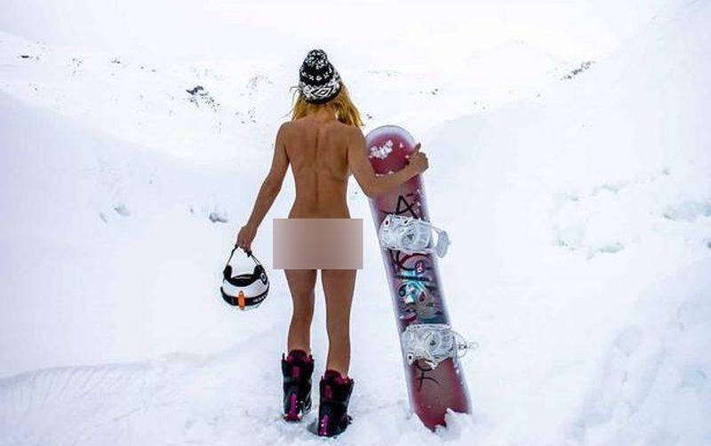 https: img.okezone.com content 2021 02 23 406 2366739 viral-selebgram-pose-tanpa-busana-di-tengah-salju-tenteng-papan-ski-fwTqQv6lVm.jpg