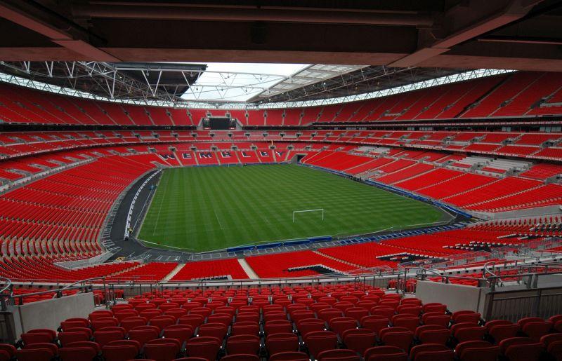 https: img.okezone.com content 2021 02 23 45 2366797 penggemar-diizinkan-hadir-di-stadion-pada-laga-terakhir-liga-inggris-2020-2021-8cJ9l0AZ02.jpg