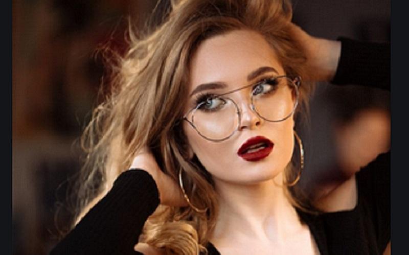 https: img.okezone.com content 2021 02 23 481 2366781 studi-pemakai-kacamata-lebih-aman-dari-covid-19-6YlQWdOAh9.jpg