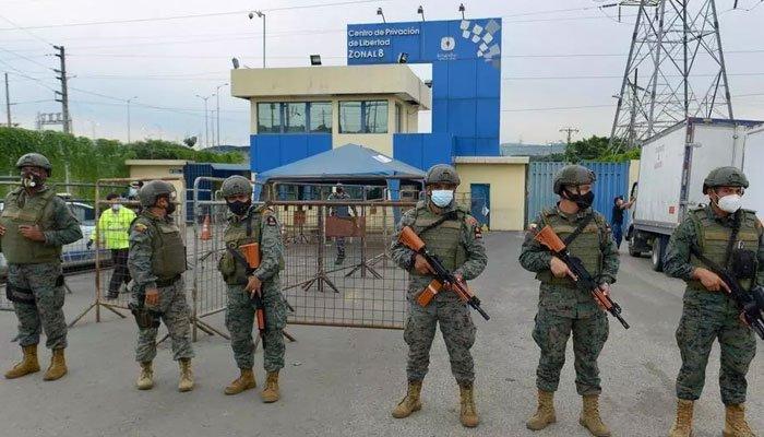 https: img.okezone.com content 2021 02 24 18 2367240 tiga-penjara-rusuh-50-tahanan-tewas-beberapa-napi-terluka-H4WgXWd9WT.jpg