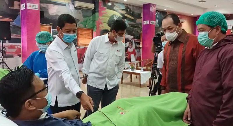 https: img.okezone.com content 2021 02 24 337 2367504 dukung-gerakan-nasional-mnc-peduli-dan-pmi-dki-gelar-donor-plasma-konvalesen-UYI3R2Qn9z.jpg