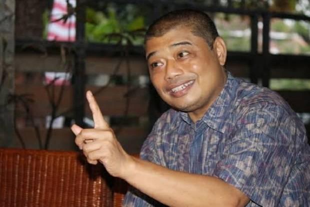 https: img.okezone.com content 2021 02 24 338 2367338 kritik-gubernur-anies-tangani-banjir-budayawan-benny-diserang-netizen-El0t8Hc5x1.jfif