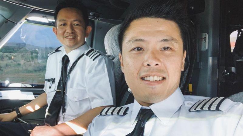 https: img.okezone.com content 2021 02 24 406 2367654 mau-jadi-pilot-captain-vincent-raditya-ungkap-syaratnya-yHpAtuUqBW.jpg
