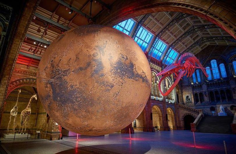 https: img.okezone.com content 2021 02 24 406 2367703 ada-replika-planet-mars-di-museum-ini-seperti-apa-sih-bentuknya-HGssRIn5fO.JPG