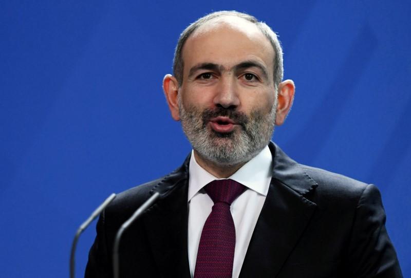 https: img.okezone.com content 2021 02 25 18 2368302 dituntut-mundur-pm-armenia-sebut-ada-upaya-kudeta-militer-POQEzXN3VV.jpg