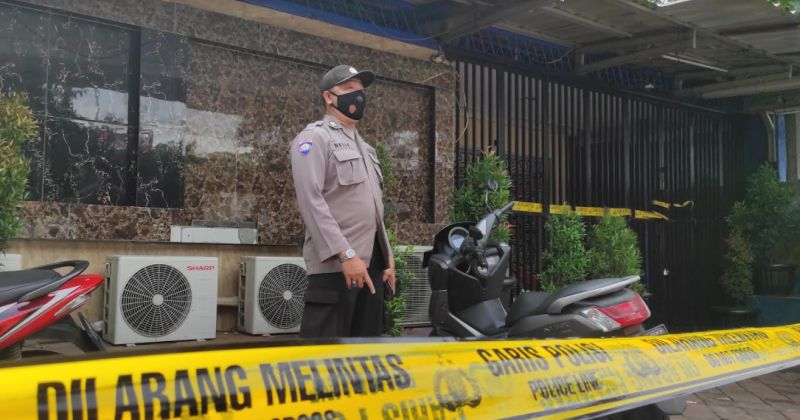 https: img.okezone.com content 2021 02 25 338 2368212 langgar-psbb-cafe-lokasi-penembakan-brutal-di-cengkareng-sudah-2-kali-ditegur-LsK7FstO6p.jpg