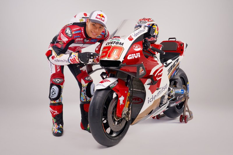 https: img.okezone.com content 2021 02 25 620 2368450 cecchinello-yakin-nakagami-bakal-rebut-podium-dan-kemenangan-di-motogp-2021-3pAAUSpnWJ.jpg