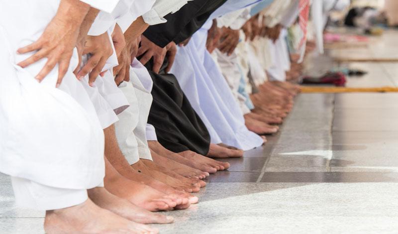 https: img.okezone.com content 2021 02 26 330 2368665 14-amalan-sunnah-di-hari-jumat-pz1SyQP3M4.jpg