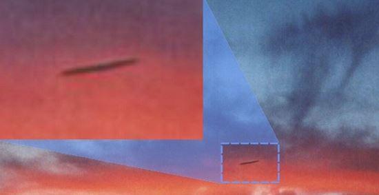 https: img.okezone.com content 2021 02 26 406 2368836 heboh-pilot-lihat-benda-asing-terbang-di-atas-pesawatnya-ufo-du5h7Q7mbG.JPG