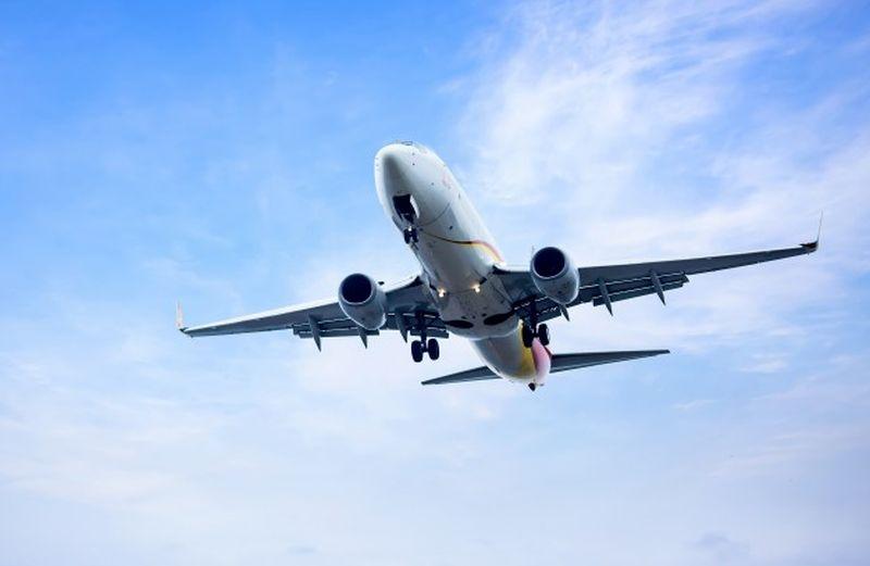 https: img.okezone.com content 2021 02 26 406 2369094 ternyata-pesawat-tak-pernah-melintasi-kutub-utara-dan-selatan-kenapa-KP1lOS37St.jpg