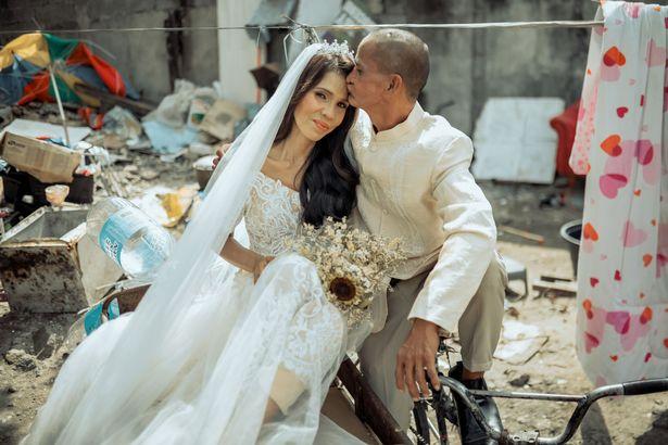 Hidup Sangat Miskin, Pasangan Tunawisma Ini Akhirnya Menikah Setelah Hidup Bersama Selama 24 Tahun - News+ on RCTI+