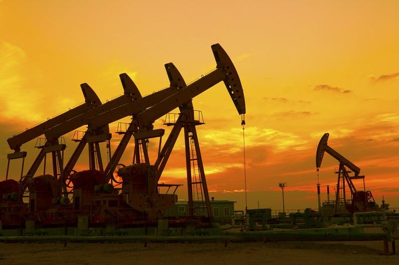 https: img.okezone.com content 2021 02 27 320 2369249 harga-minyak-anjlok-opec-diperkirakan-naikkan-produksi-6FMT1Yyu7U.jpg
