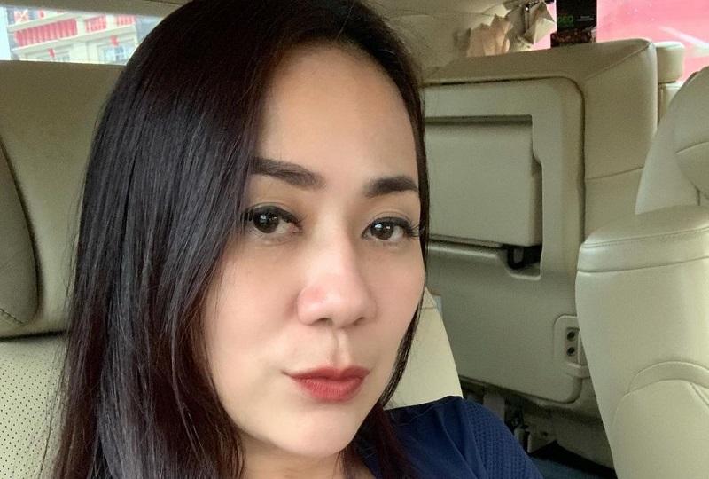 https: img.okezone.com content 2021 03 01 194 2370463 selfie-menggoda-tante-ernie-pakai-tanktop-ketat-bikin-jantung-netizen-berdebar-54eJHVZuwN.jpg
