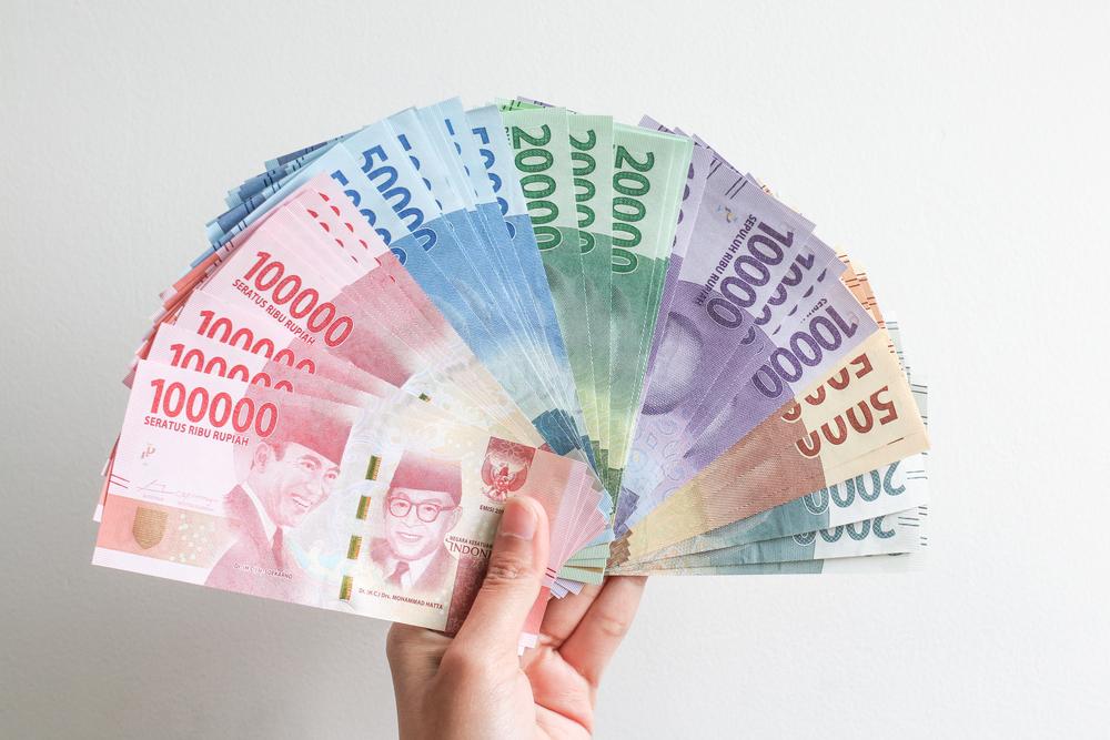 https: img.okezone.com content 2021 03 02 320 2370760 tjahjo-kumolo-beri-sinyal-pns-dapat-uang-pensiun-rp1-miliar-btqPdUwbHa.jpeg