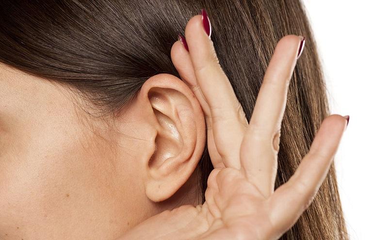 https: img.okezone.com content 2021 03 03 481 2371466 mengenal-berbagai-gangguan-telinga-dan-penyebabnya-Rz7VSQWWfP.jpg
