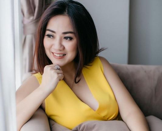 https: img.okezone.com content 2021 03 03 51 2371509 adu-seksi-georgina-rodriguez-dan-tante-ernie-saat-pakai-bikini-menggoda-banget-6sA6bVqjbI.jpg