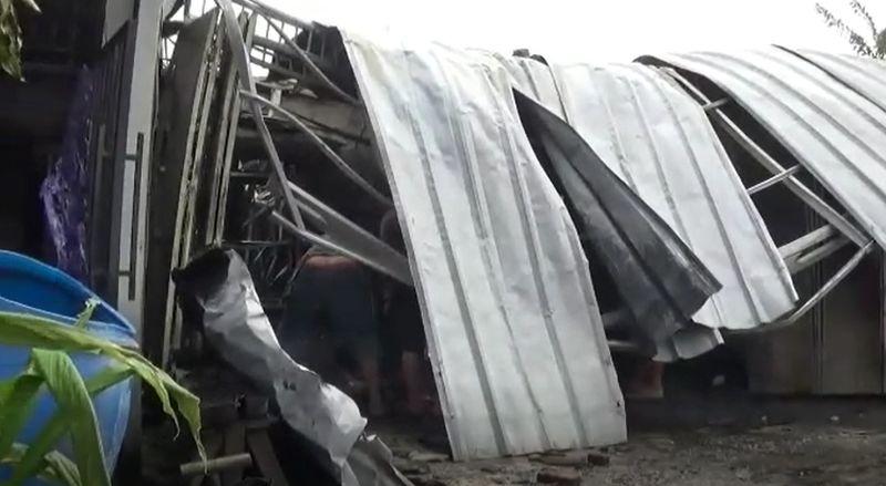 https: img.okezone.com content 2021 03 04 338 2372325 bengkel-motor-terbakar-kerugian-capai-ratusan-juta-rupiah-6beqK6Npgq.jpg