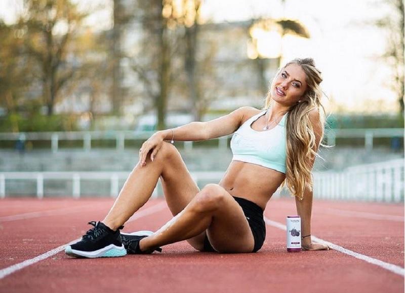 https: img.okezone.com content 2021 03 04 43 2372272 5-potret-menggoda-atlet-terseksi-dunia-alica-schmidt-di-atas-lintasan-lari-KRszckBFz5.jpg