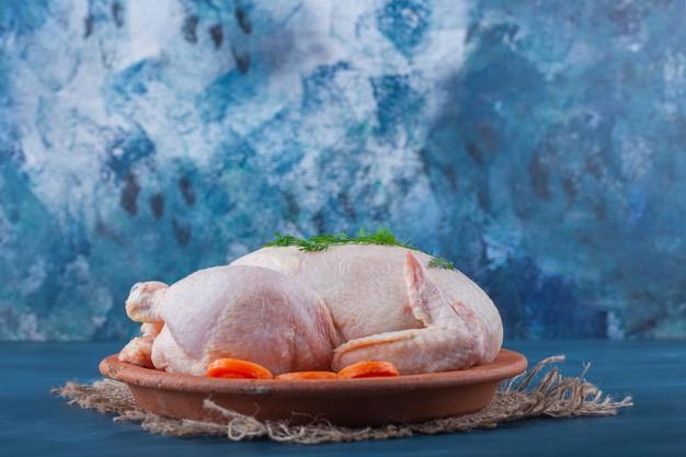 https: img.okezone.com content 2021 03 05 481 2373173 deretan-manfaat-daging-ayam-sehatkan-tulang-hingga-membentuk-otot-hVv2ULOIBq.jpg