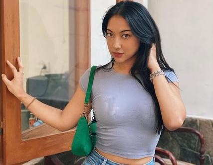 https: img.okezone.com content 2021 03 05 51 2372956 adu-seksi-antonela-roccuzzo-dan-anindita-hidayat-pakai-bikini-menggoda-banget-rjcqZXT3XW.jpg