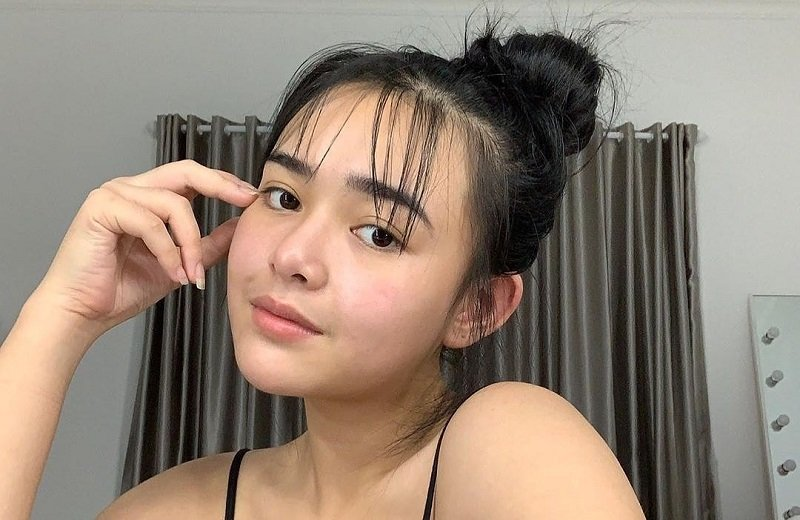 https: img.okezone.com content 2021 03 05 611 2372957 cantiknya-amanda-manopo-dengan-rambut-cepol-ala-cewek-korea-bikin-jatuh-hati-8vJVmUgCUD.jpg