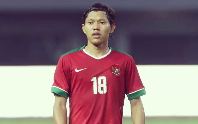 https: img.okezone.com content 2021 03 06 51 2373320 man-of-the-match-timnas-indonesia-u-23-vs-ps-tira-persikabo-adam-alis-eWkdnD0Vtw.jpg