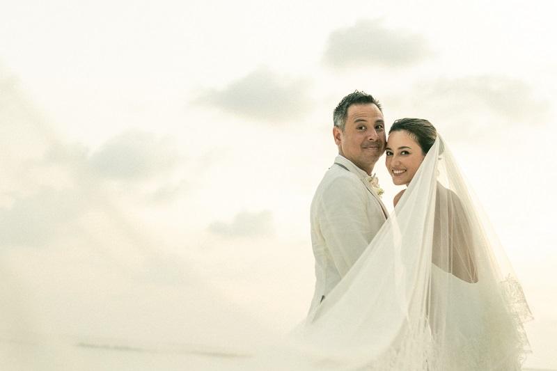 https: img.okezone.com content 2021 03 08 33 2374223 3-5-pacaran-julie-estelle-dan-david-tjiptobiantoro-resmi-menikah-pklsw7u1et.jpg