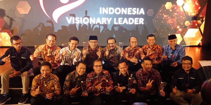 https: img.okezone.com content 2021 03 09 337 2374708 mnc-portal-gelar-indonesia-visionary-leader-season-vii-EKQ6XjVxRm.jpg